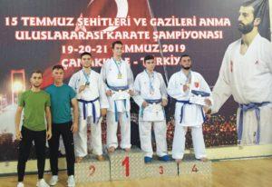 Karateciler 3 madalya ile döndü