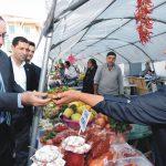 Komşu üreticiler ürünlerini sergiledi