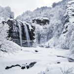 Kışın gözdesi Suuçtu Şelalesi