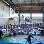 Okul sporcuları Karacabey'i şenlendirdi